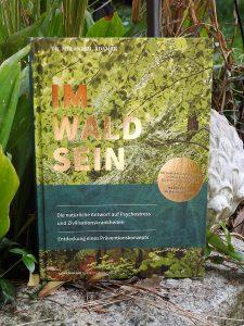 Dr. Melanie H. Adamek - Im Wald sein
