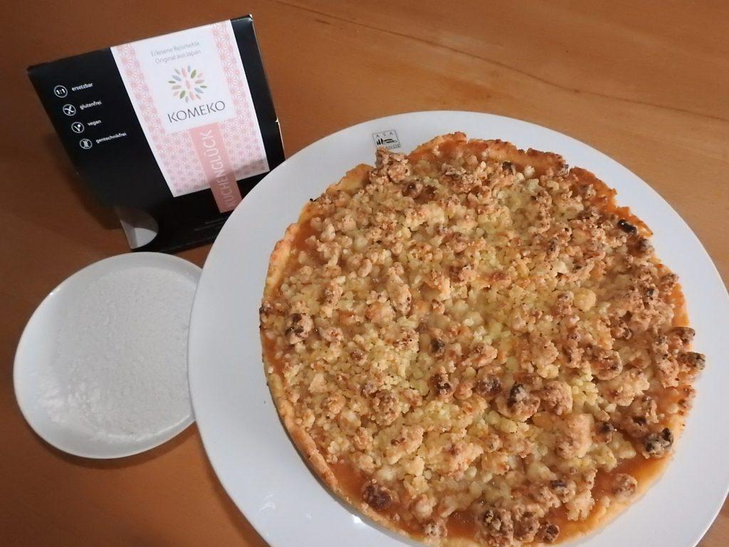Apfelmus-Vanille-Tarte mit Marzipanstreusel