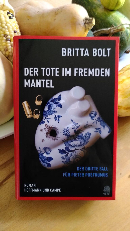 Britta Bolt - Der Tote im fremden Mantel