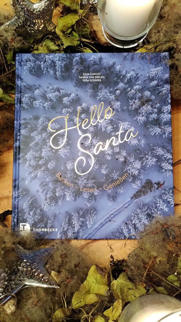 Julia Cawley & Saskia Van Deelen & Vera Schäper - Hello Santa